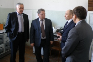 Peter Chekmaryov (center), director of the department of crop husbandry of Russia's Ministry of Agriculture Photo credit: Prozerno
